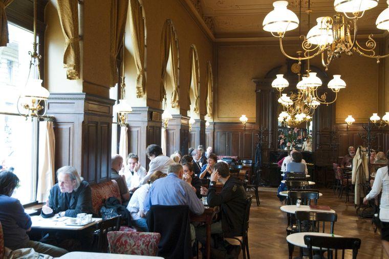 Das Café Sperl – ein traditionsreichen Kaffeehaus in Wien.