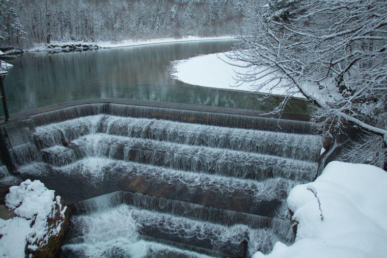 Ein toller Anblick im Winter: der Lechfall bei Füssen.