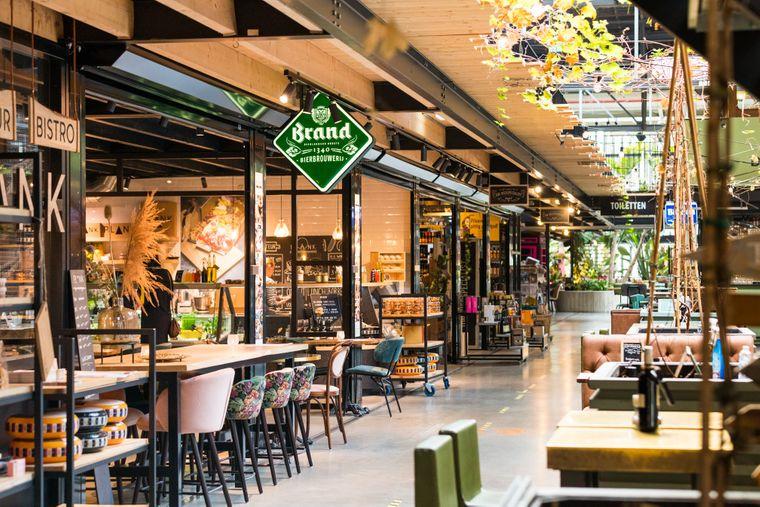 Von Sushi bis Steak: Die kulinarische Auswahl der Gatronomen auf dem De-Noordkade-Gelände in Veghel ist groß, der Industrieschick kommt gut an.