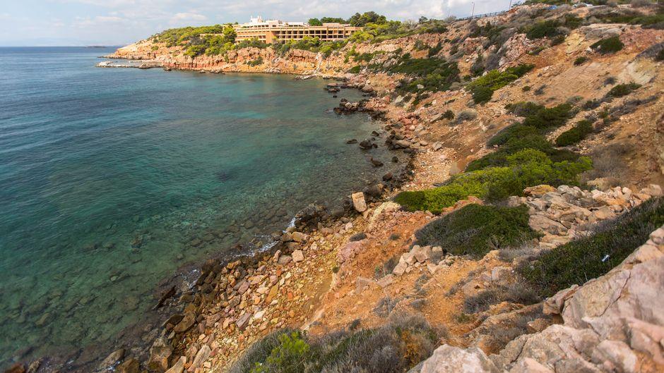 Wunderschönes Küstenerlebnis: die Landzungen von Griechenlands Festland.