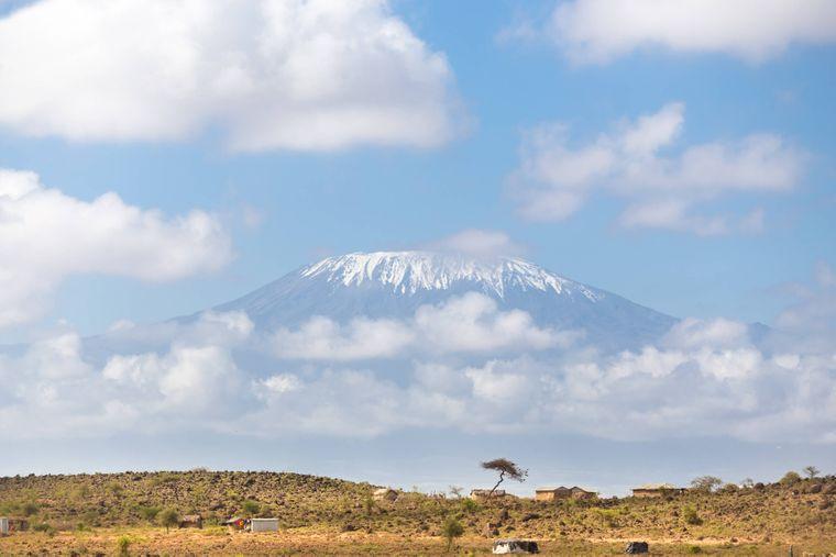 der höchste Berg in Afrika: der Kilimandscharo