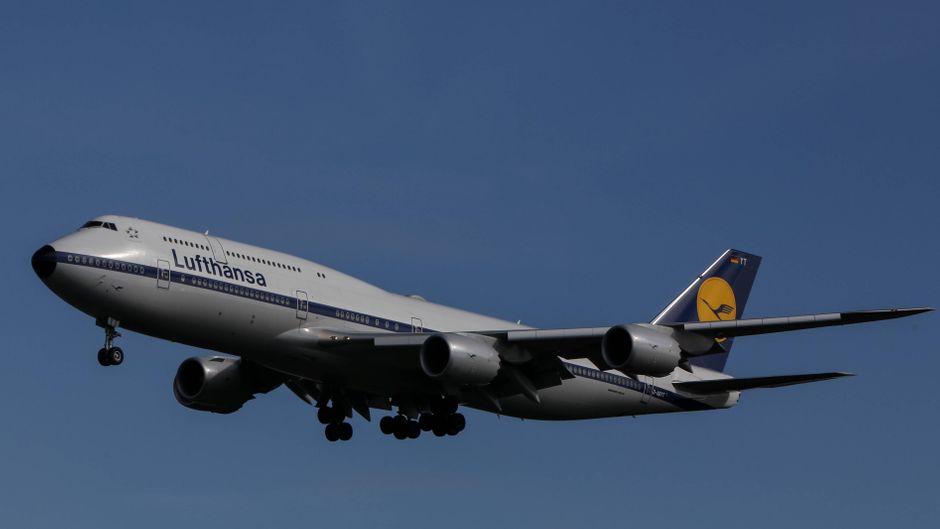 Eine Boeing 747-8i auf dem Weg nach Frankfurt.