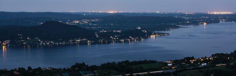 Lago Maggiore bei Nacht.