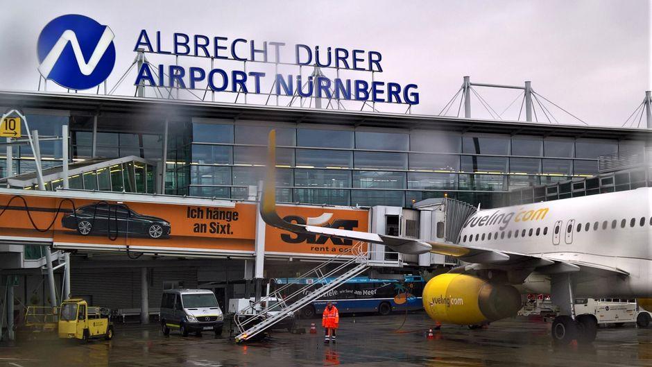 Flugzeug am Albrecht-Dürer-Airport in Nürnberg.