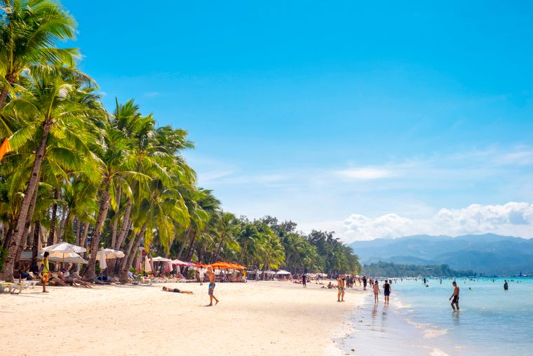 Mehr als 7000 Inseln umfassen die Philippinen. Wer nicht zum Strandurlaub hinfliegt, den zieht es vielleicht in die Hauptstadt Manila.