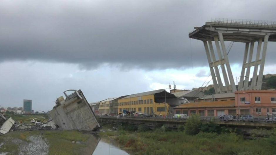 Die Autobahnbrücke in Genua ist zusammengebrochen. Die A10 ist weiträumig gesperrt worden.