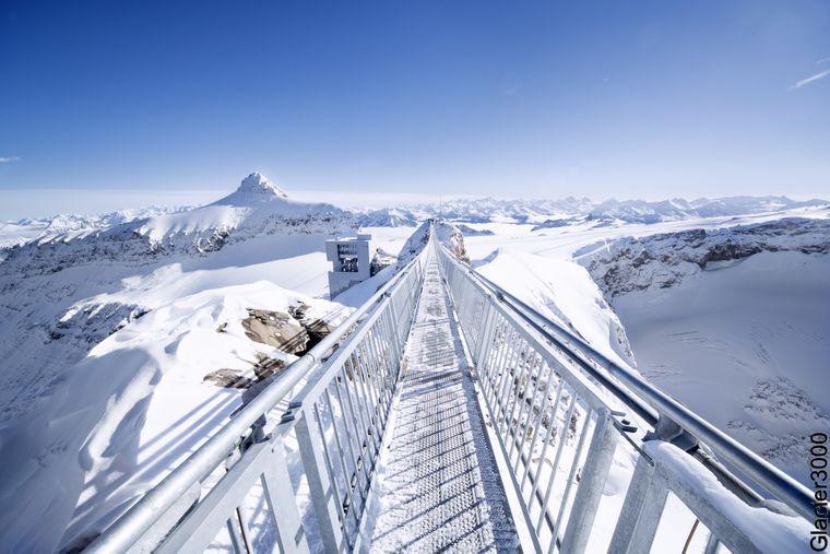 Peak Walk zum Glacier 3000