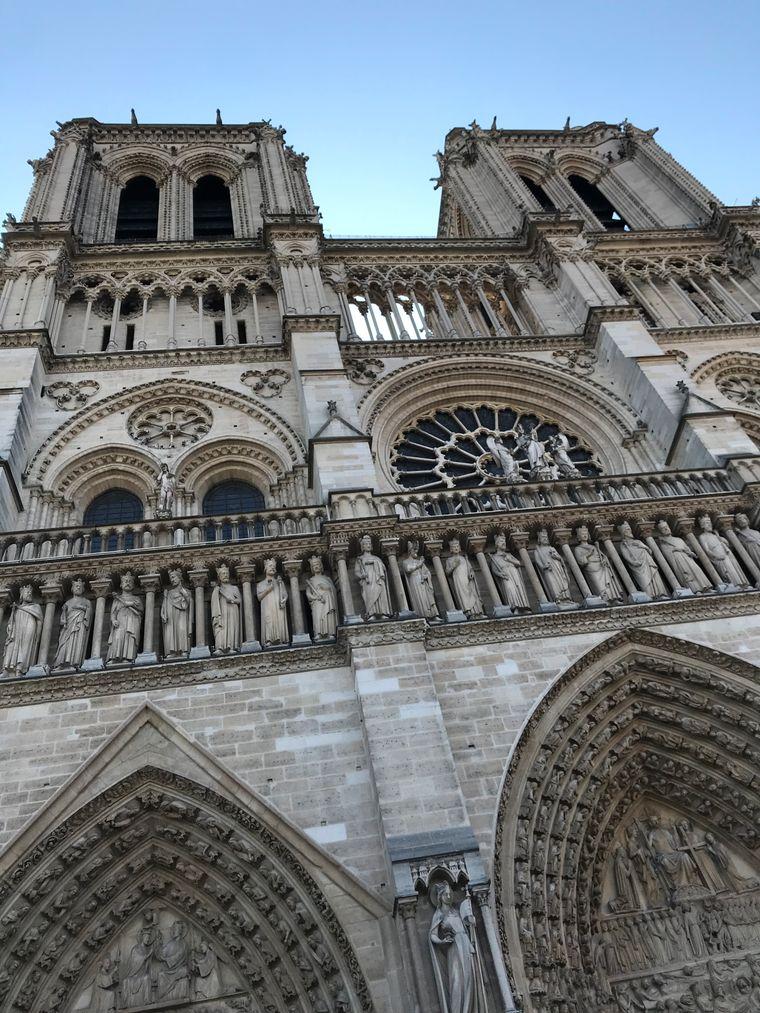 """Anna Carlson aus Isernhagen schreibt zu diesem Foto: """"Letzte Woche mit beiden Töchtern in Paris gewesen, das Foto ist vom 11. April und ich bin froh, dass wir da waren…"""""""