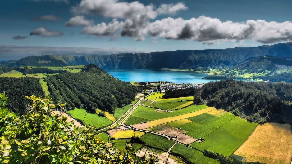 Das Wetter auf den Azoren ist als sehr wechselhaft bekannt. Wann ist also die beste Reisezeit?