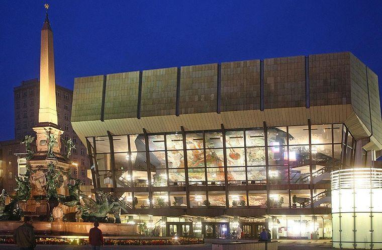 Das Gewandhausorchester ist das älteste bürgerliche Konzertorchester im deutschsprachigen Raum. Es gehört zu den führenden Orchestern weltweit.