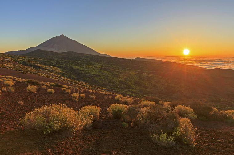 Wer kann denn so einem Anblick widerstehen? Der Vulkan Pico del Teide bei Sonnenuntergang.