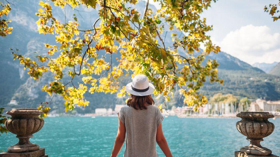 Der Gardasee in Italien bietet etliche Hotspots für Urlauberinnen und Urlauber.