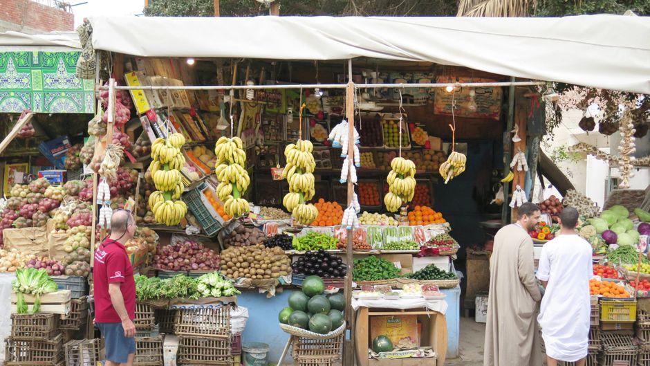 Obst kaufen in Ägypten: Sollten Urlauber lieber nur tun, wenn sie es selbst schälen.