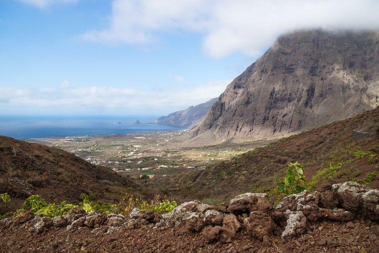 El Hierro es la más pequeña de las Islas Canarias