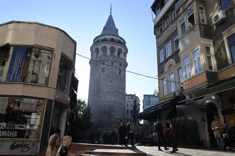 Der Galataturm im Istanbuler Stadtteil Beyoğlu.