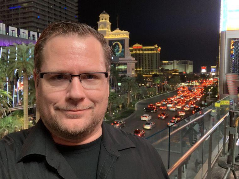 Klassiker: Ein Selfie mit dem las Vegas Strip im Hintergrund.