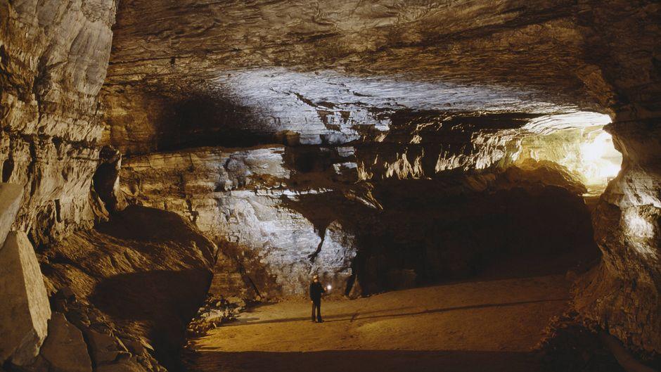 Die Mammut-Höhle im US-Bundesstaat Kentucky ist mit rund 675 Kilometern die längste Höhle der Welt.