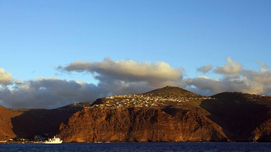 Die Steilküste der Insel St. Helena.