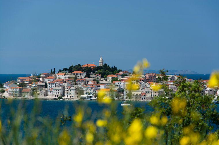 Primosten ist eine kroatische Stadt in Mitteldalmatien zwischen Split und Sibenik an der Adriaküste.