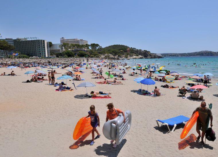Sonne, Strand und Mee(h)r: In Peguera gibt es neben Strandspaß noch weitere spannende Aktivitäten!