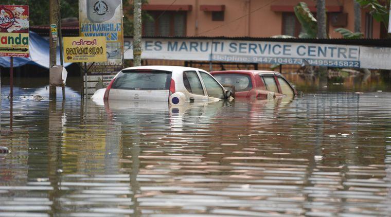 Ganze Straßenzüge wurden in Kerala von den Wassermassen verschlungen.