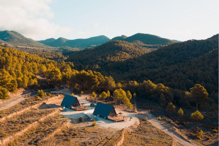 Luftaufnahme von den beiden Tiny Houses von Finca les Coves.