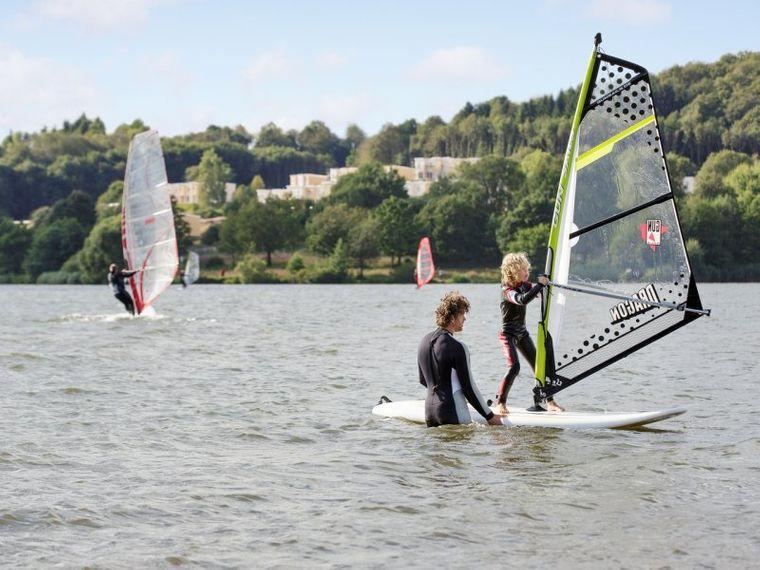 Windsurfen im Park Bostalsee
