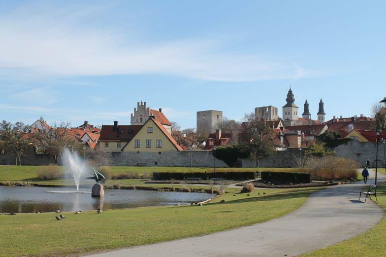 Der mittelalterliche Stadtkern von Visby auf Gotland, Schweden.