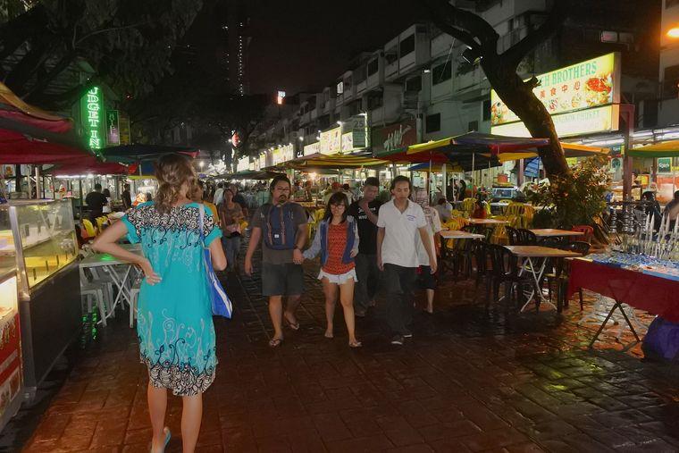 Street-Food wohin das Auge reicht: Die Jalan Alor Straße.