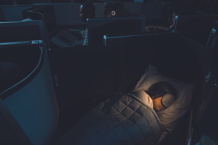 Der Sitzplatz kann zum Bett umgewandelt werden.
