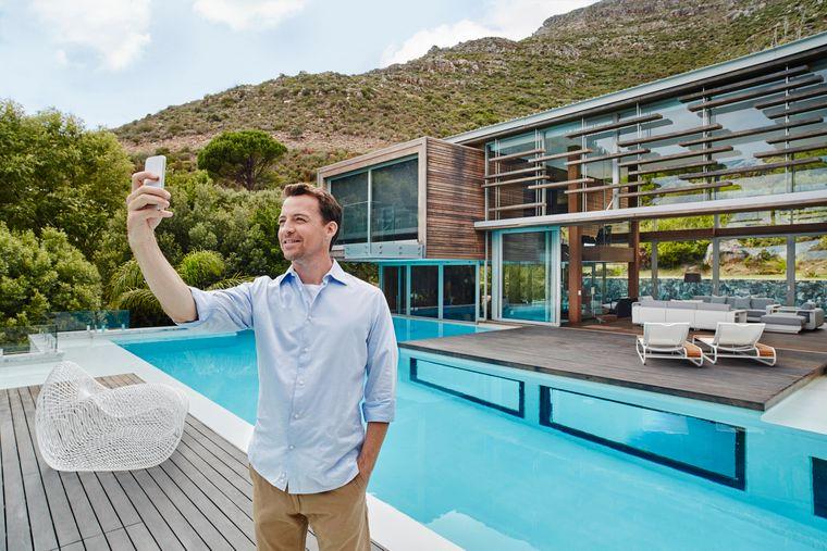 Selfie-Zeit am Pool.