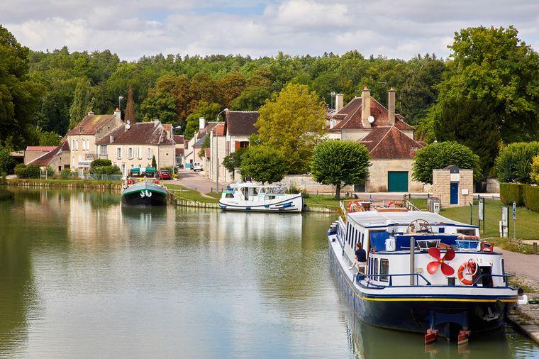 Schippern auf dem Canal de Bourgogne.