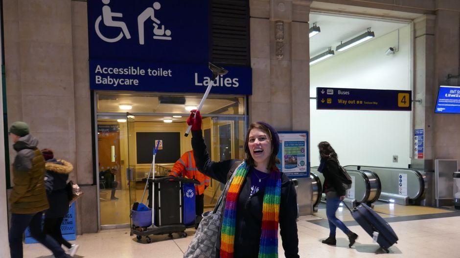 Die Waterloo Station darf auf der besonderen Stadtführung von Rachel Cole-Wilkin natürlich nicht fehlen.