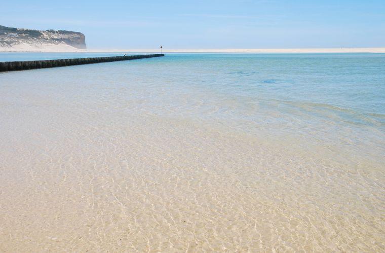 Strand an der Lagune Óbidos in Portugal.