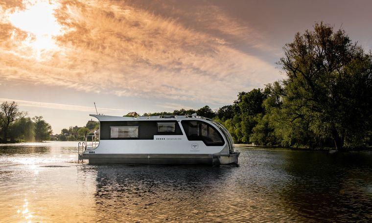 """Das """"Caravanboat"""" soll, wie es der Name vermuten lässt, eine Mischung aus Hausboot und Wohnwagen sein."""