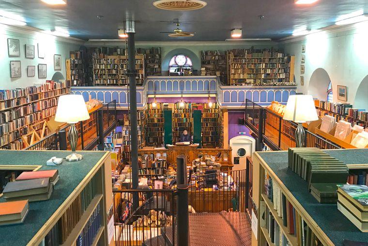 Schottlands größte Second-Hand-Buchhandlung: Leakey's Book Shop.