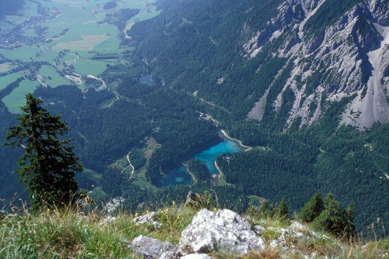 Der Grüne See im Tal bei Tragöß in der Steiermark in Österreich