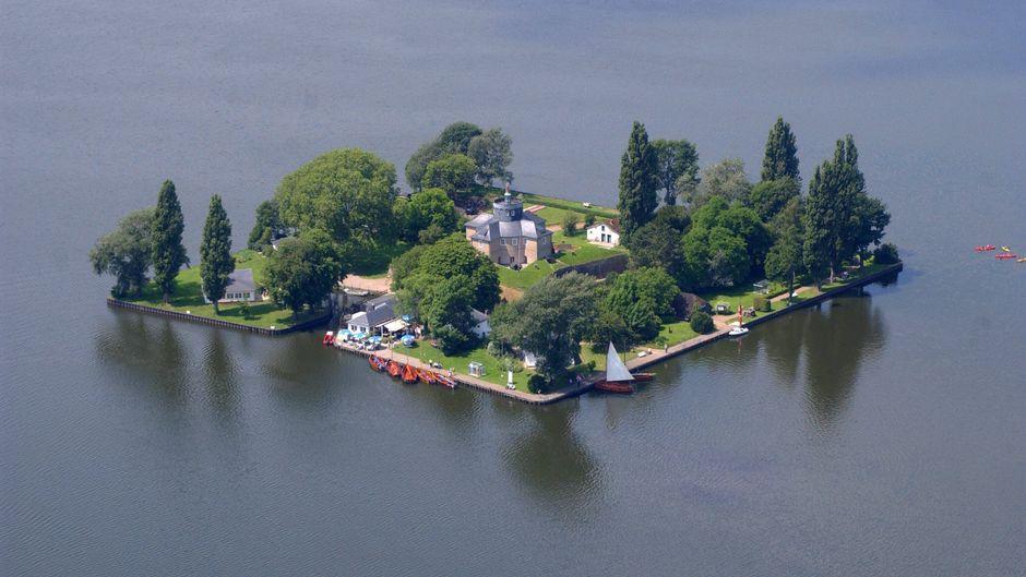 Luftaufnahmen der Festung Insel Wilhelmstein im Steinhuder Meer.