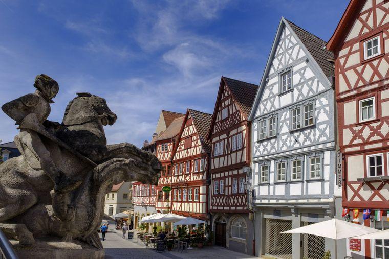 Das schöne bayerische Ochsenfurt lädt zum Flanieren ein.