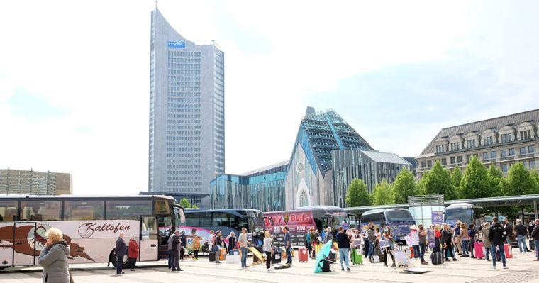 Mitten in der Leipziger Innenstadt überragt das City-Hochhaus alle anderen Gebäude.