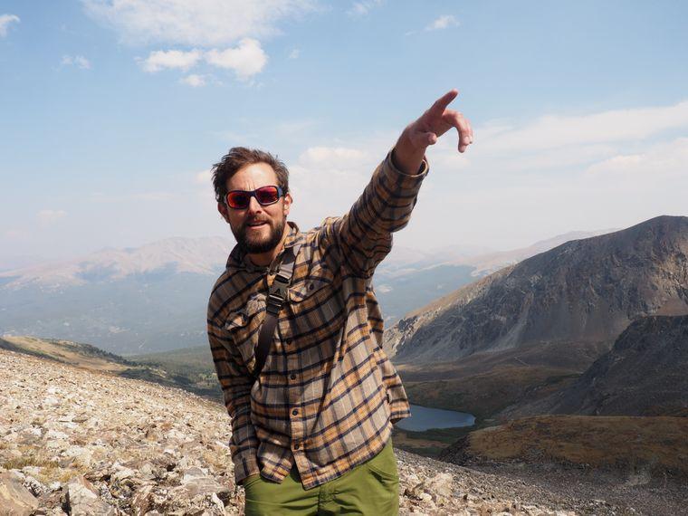 Guide Paul Georg Schmidt führt regelmäßig Besucher auf die Spitze von Peak 10.