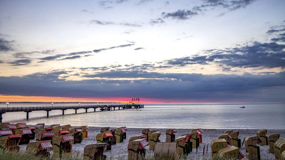 Die Sonnenuntergänge über der Ostsee hüllen die Lübecker Bucht in ein traumhaftes Licht.