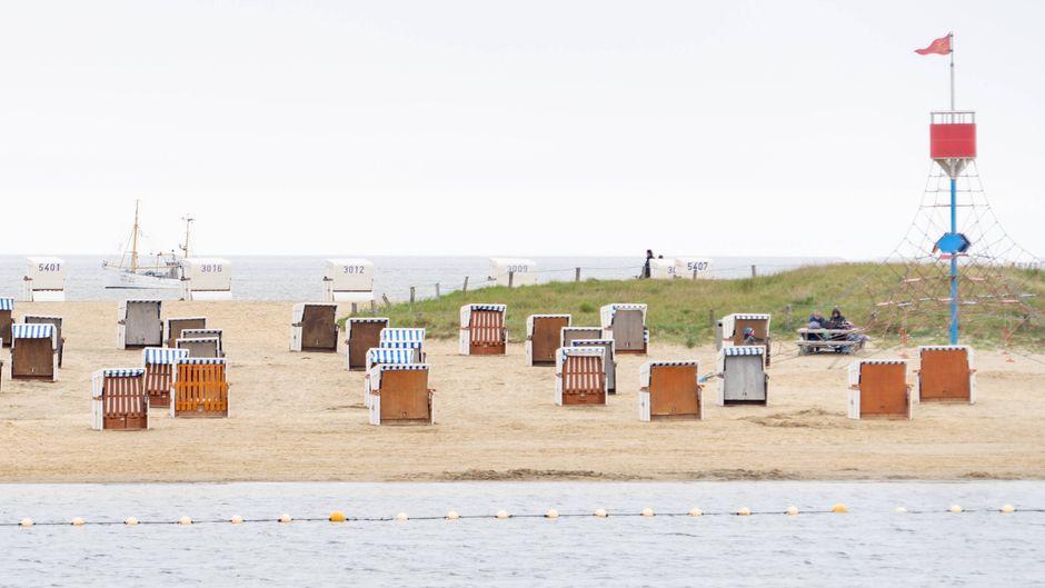 Büsum an der Nordsee in Schleswig-Holstein während der Corona-Pandemie im Mai 2021 – dort ist Urlaub wieder möglich.