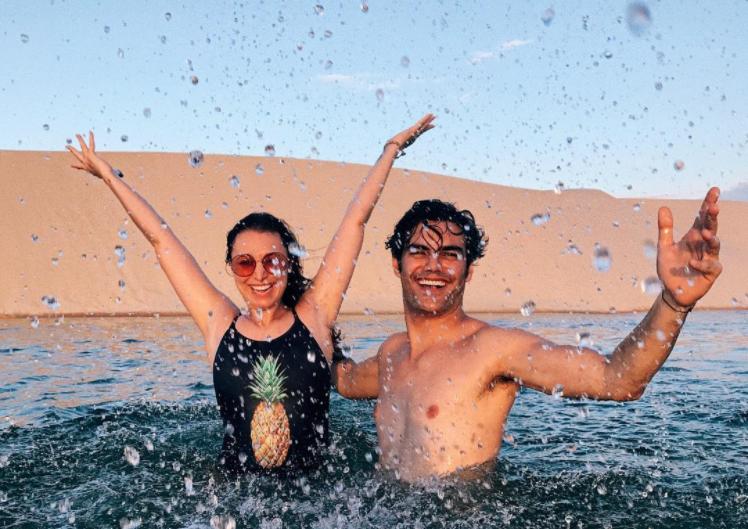 In den Lençóis Maranhenses in Brasilien kannst du schwimmen gehen.