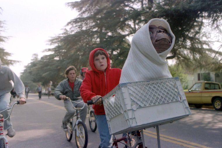 Szene aus E.T. - Der Außerirdische in einem Vorort von Los Angeles