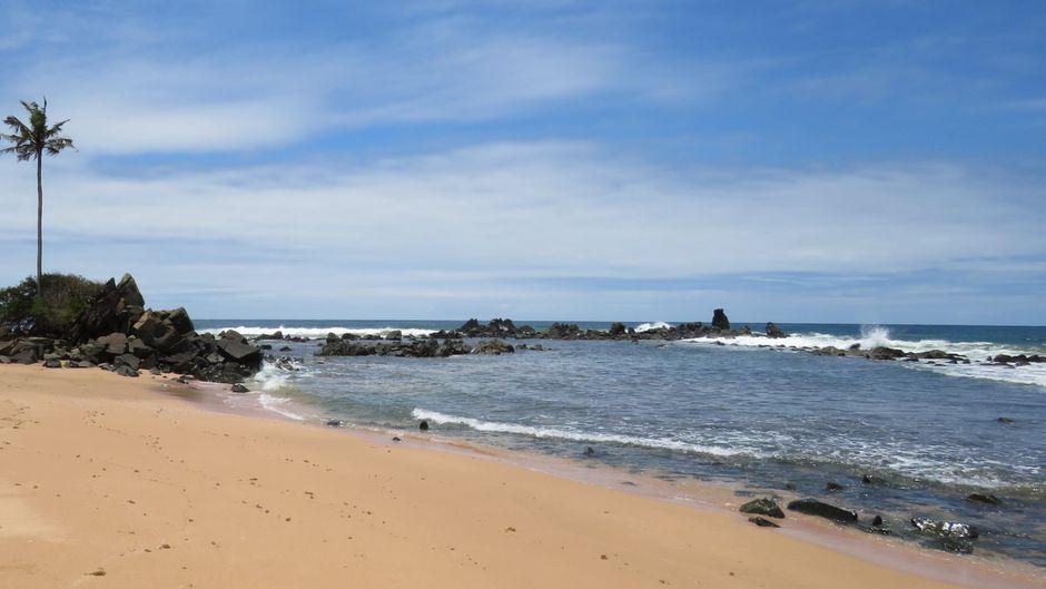 Der Strand am Cape Three Points ist nur nach mehreren Stunden Fahrt zu erreichen.