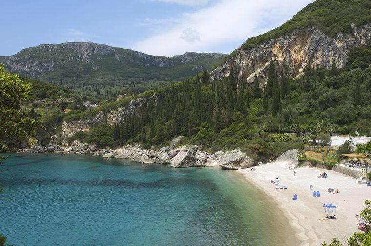 Eine Augenweide: der Strand von Liapades in der Bucht von Paleokastritsa auf Korfu.