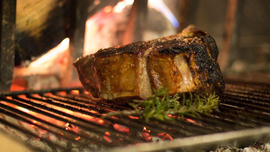 Ein saftiges Steak lässt viele Herzen höher schlagen.