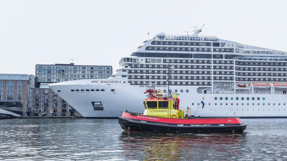 Vor allem Flusskreuzfahrtschiffe machen halt in Amsterdam. Nun kassiert die Stadt 8 Euro pro Passagier.