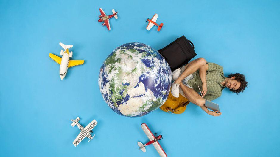 Online sein auf Reisen ist für viele selbstverständlich – mit einem kostenlosen Internetzugang im Flugzeug solltest du aber nicht rechnen. (Symbolfoto)